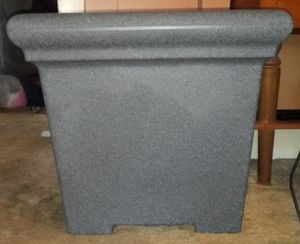 Planting Pot * Heavy Durable Plastic * OBO for Sale in Cuyahoga Falls, OH