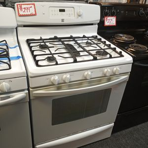 KENMORE GAS STOVE WORKING PERFECT W/4 MONTHS WARRANTY for Sale in Baltimore, MD