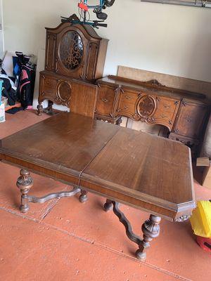 Antique late 1800s dining room set for Sale in Warren, MI