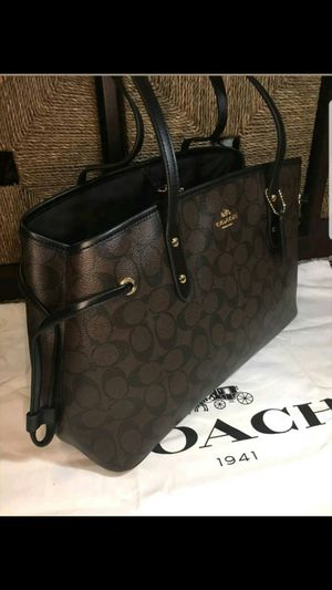 Original coach women handbag new with tag and gift box for Sale in Tustin, CA