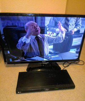 Flatsçrren tv with blu ray disc player for Sale in Red Oak, TX