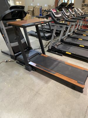 NordicTrack Walking Desk Treadmill with USB for Sale in Glendale, AZ