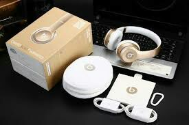 Beats solo2 wireless headphones(gold) for Sale in Tampa, FL