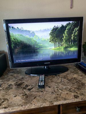 Samsung 32 inch tv for Sale in Las Vegas, NV