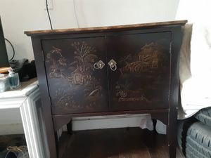Antique Chinese cabinet for Sale in Las Vegas, NV