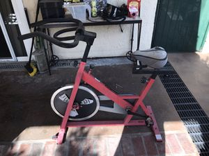 Sunny Health and Fitness Stationary Bike for Sale in Los Angeles, CA