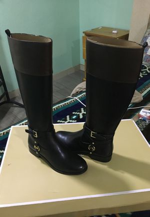 Michael kors BOOTs for Sale in Fort Worth, TX