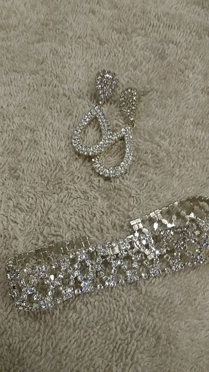 Very sparkly costume jewelry for Sale in Riverside, CA