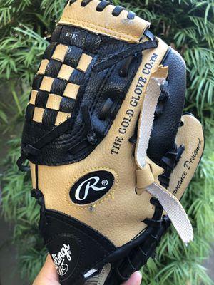 Rawlings 9 inch baseball glove for Sale in Newport Coast, CA