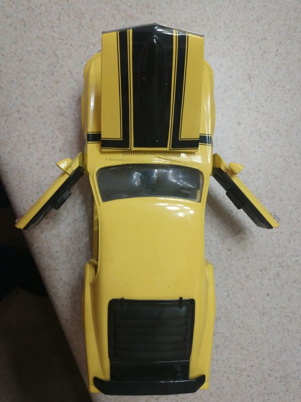 1970 mustang 1/18 scale large !! Front wheels turn with steering wheel