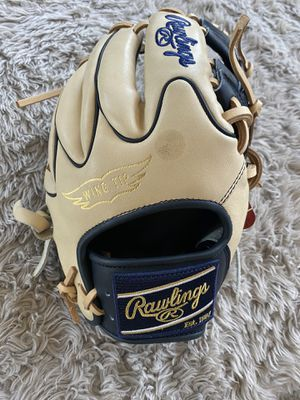 Rawlings heart of the hide 11.5 baseball glove $220 obo for Sale in Chino, CA