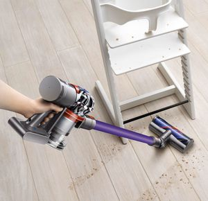 Dyson V7 Cordless Vacuum for Sale in Los Angeles, CA