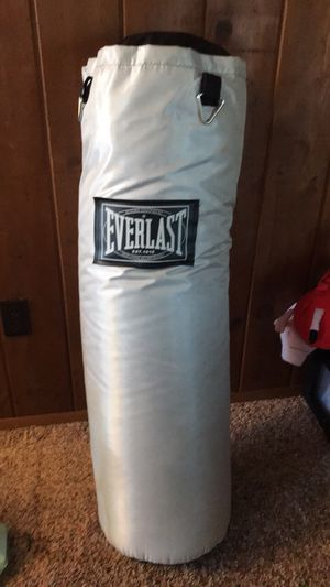 Everlast Punching bag for Sale in Monroe, WA