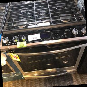 Whirlpool Stove/oven WEG745H0FS F2WH2 for Sale in Long Beach, CA