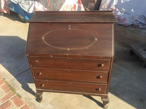 "Antique Jewelry desk 34""X40""X17"" (WXHXD) for Sale in Long Beach, CA"