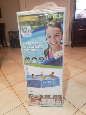 Intex 12ft x 30in Above Ground Metal Frame Swimming Pool (Pump Not Included) for Sale in Banning, CA