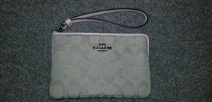 Coach wristlet NEW tan and pinck for Sale in Durham, NC