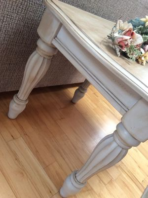 Beautiful Beige Classic End Table, Nightstand, Console, Hall Entry for Sale in Marshfield, MA