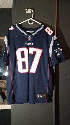 Patriots Jersey Gronkowski only worn twice XL make me an offer no low ballers for Sale in Pinon Hills, CA