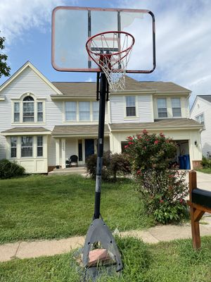 Free Basketball Hoop in Ashburn - 1st come 1st serve for Sale in Ashburn, VA