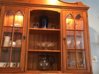 Hutch Honey Pine With Light for Sale in Merrick,  NY