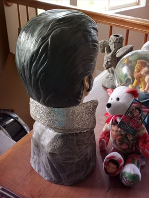 Elvis statue w beanie baby for Sale in Chicago, IL