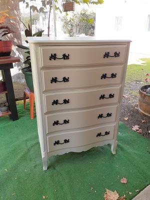 Antique dresser 250.00 for Sale in Lake Elsinore, CA