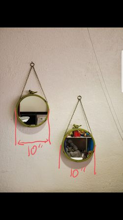 Green hanging mirrors chain decorative living room bedroom bathroom look good anywhere for Sale in Pembroke Park,  FL