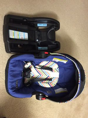Graco Snugride Click connect 30 Infant Seat for Sale in West McLean, VA