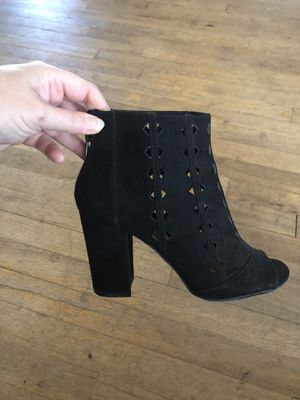 Women's size 8 1/2 heeled boot for Sale in Whitney Point, NY