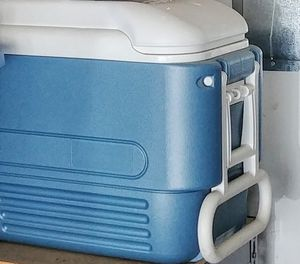 Rolling cooler with two wheels in the back for Sale in Kent, WA