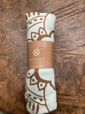 Vix Paula Hermanny Lotus Flower Beach Pool Towel Quick Dry Blue Brown 59 In for Sale in Chandler, AZ
