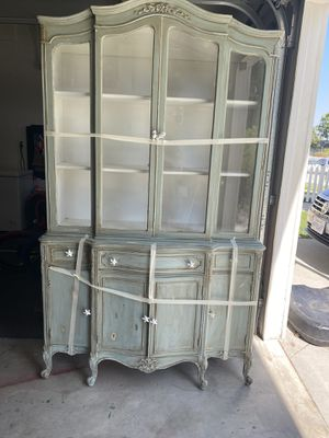 Antique (Solid Wood) China Cabinet for Sale in Torrance, CA