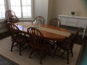 Oak Dining Table w/ 8 chairs for Sale in Visalia, CA