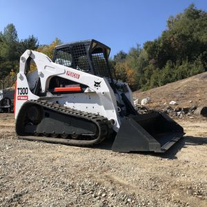 2006 Bobcat T300 for Sale in Los Angeles, CA
