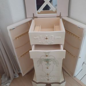 New Jewelry Box for Sale in Riverside, CA