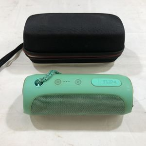 JBL Flip 4 Bluetooth Speaker AS-IS - Has To Be Plugged In 88986-1 for Sale in Tampa, FL
