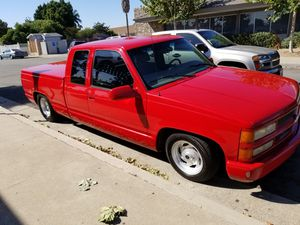 1997 chevy silverado c/k1500 for Sale in Santa Ana, CA