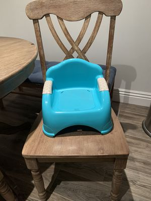 booster seat for kitchen table for Sale in Downey, CA