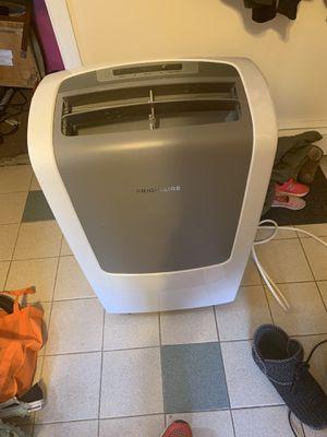 Frigidaire ac/dehumidifier 9000 btu for Sale in Taunton, MA