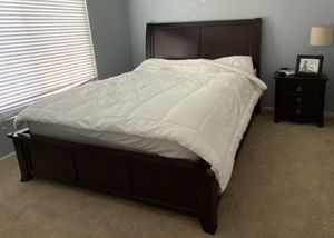 Cal King Bedroom Set 3 Piece for Sale in Chula Vista, CA
