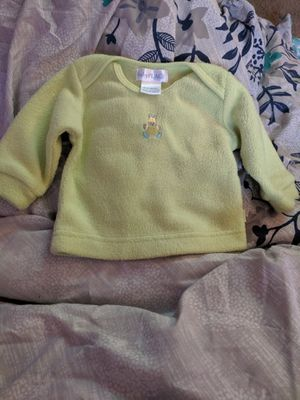 0-3 months pullover and newborn hats for Sale in Hendersonville, TN