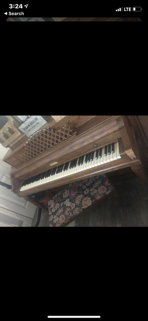 Free piano for Sale in Whittier, CA