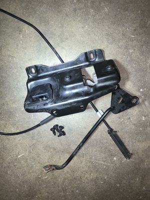 E82 e88 hood latch assembly for Sale in Glendale, CA