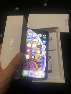 Selling iPHONE XS Max 512GB New in Box Unlocked All Carriers has Apple Warranty for Sale in Chicago, IL
