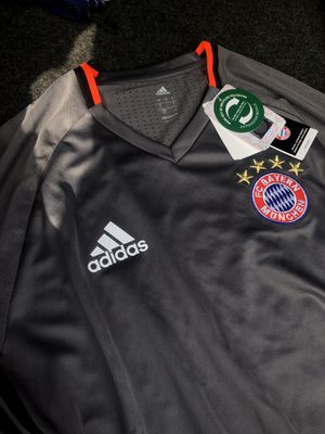 bayern jersey for Sale in Carson, CA