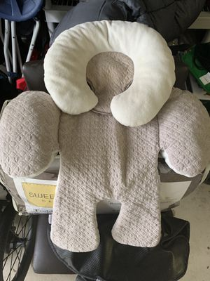 JJ Cole Car Seat Body Support for Sale in Naples, FL