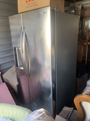 LG fridge for Sale in Hawthorne, CA