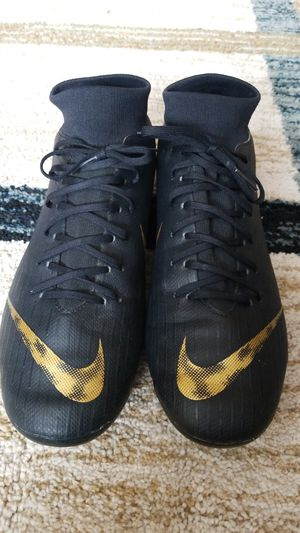 Nike soccer cleats size 10 for Sale in Benton City, WA