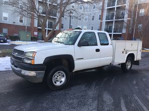 2005 Chevy Silverado hd2500 utility bed ext cab 4door 4x4 for Sale in Gaithersburg, MD
